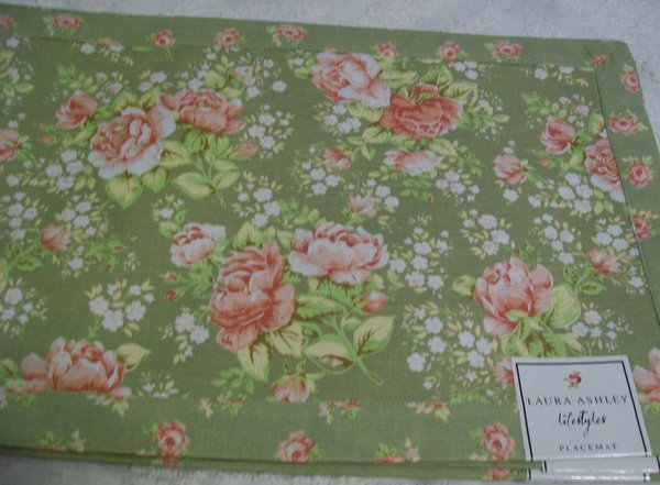 Set of 4 New Laura Ashley Placemats-placemats,laura,ashley,roses,cottage,chic